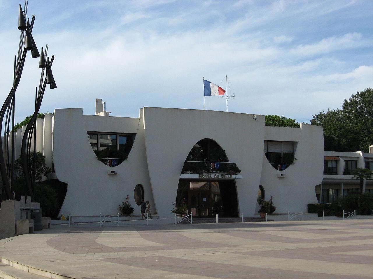 1280px-Mairie_Grande-Motte_033.jpg