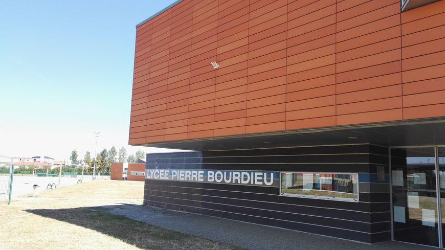 Lycée de Fronton.jpg