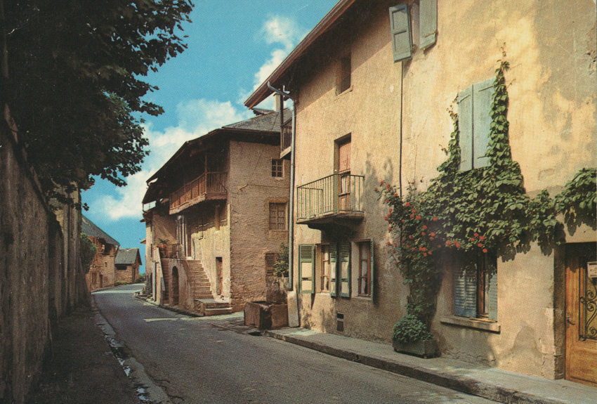 bourg village.png
