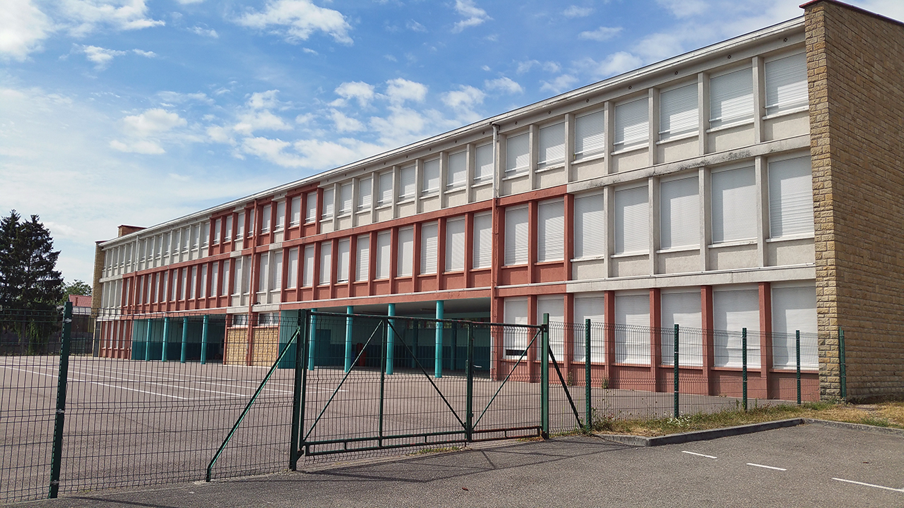 Ecole primaire du Stade.jpg
