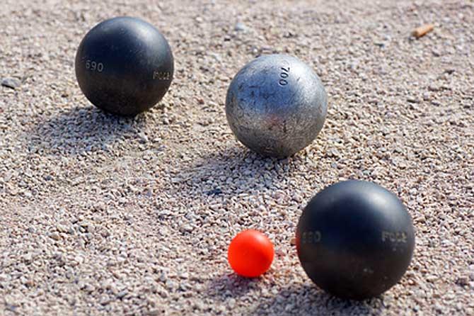 Logo pétanque boules