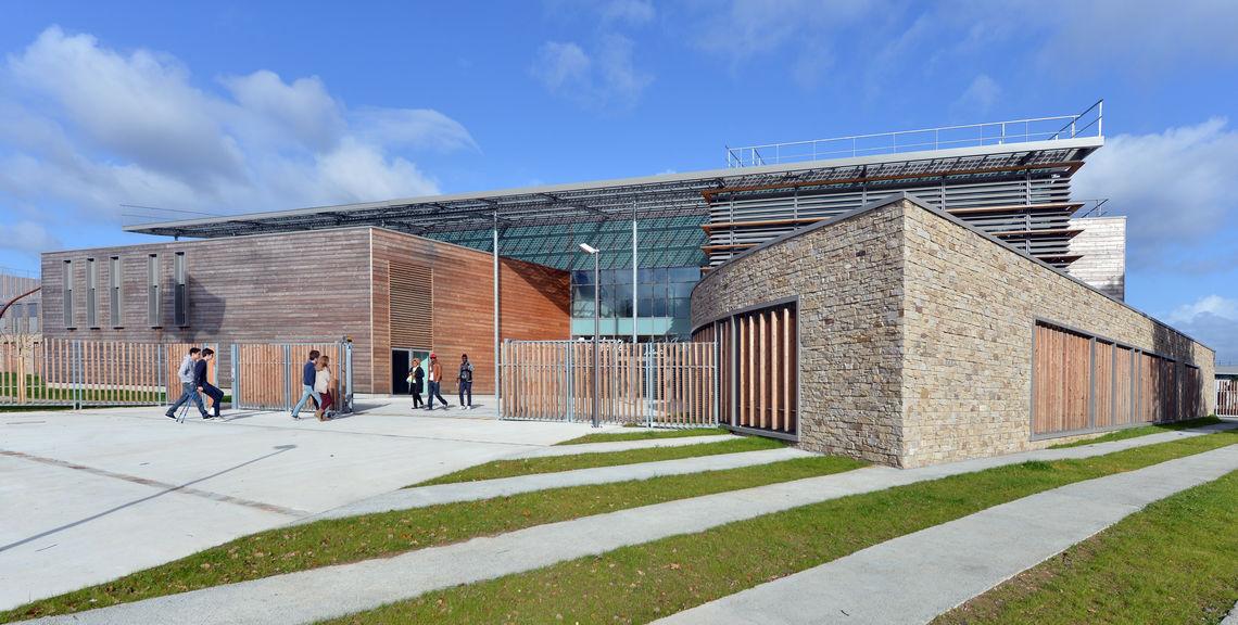 Lycée Aimé Césaire.jpg