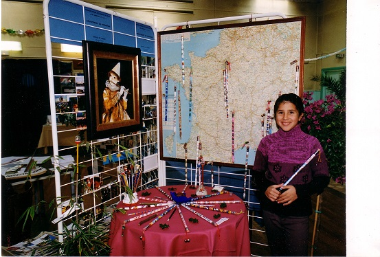 2001-Stand Elvina LE ROUX Crayons.jpg
