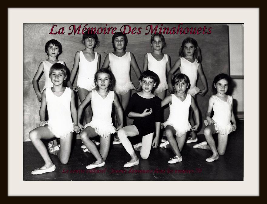 Jeunes danseuses dans les années 70.1.jpg