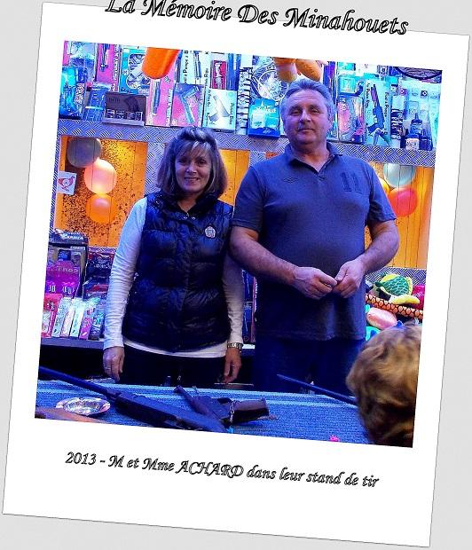 2013-M _ Mme ACHARD et leur stand de tir.JPG