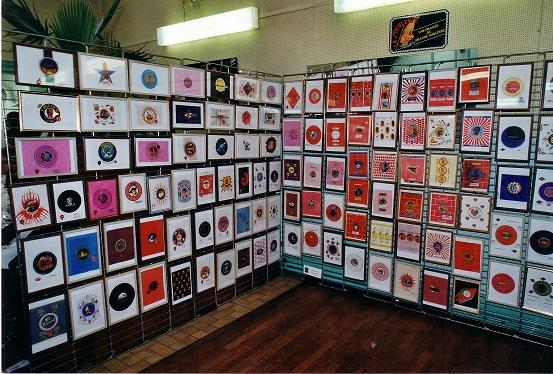2001-Stand Madame RIVIERE Papiers d_orange.jpg