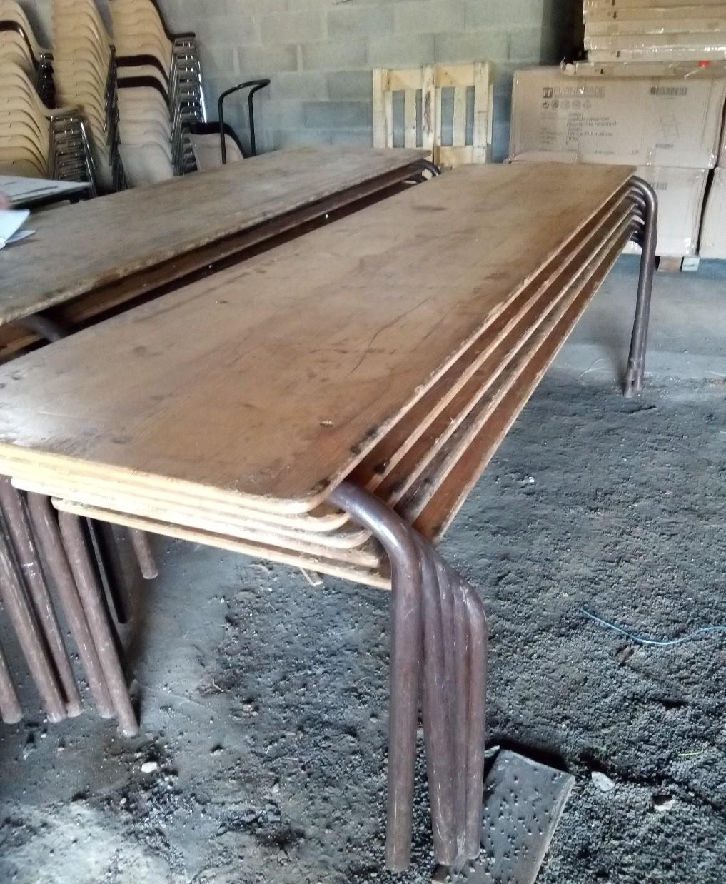 Tables en bois.jpg