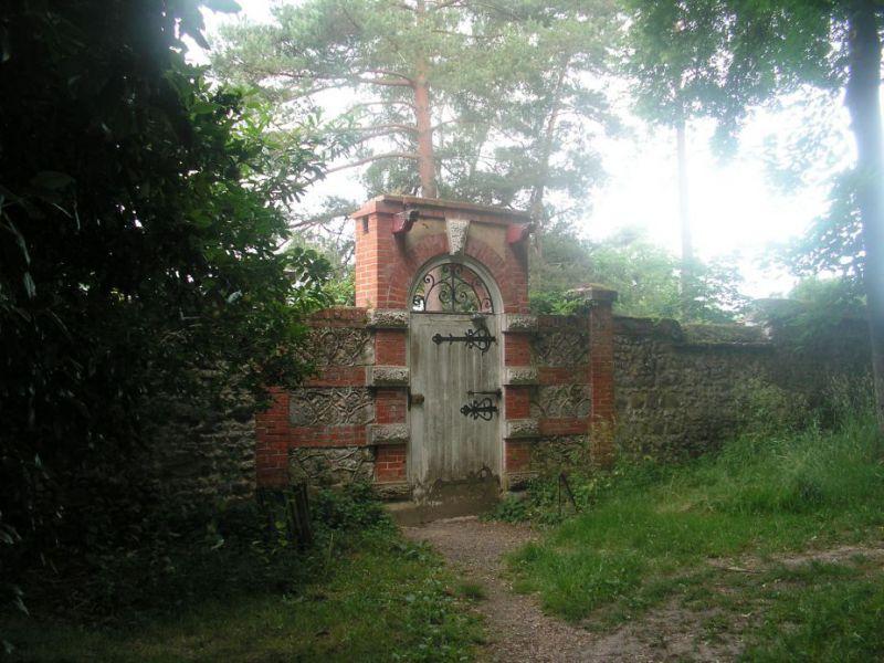 Porte Réaux.jpg