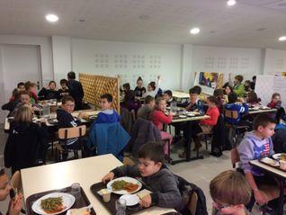 restaurant scolaire grand.jpg