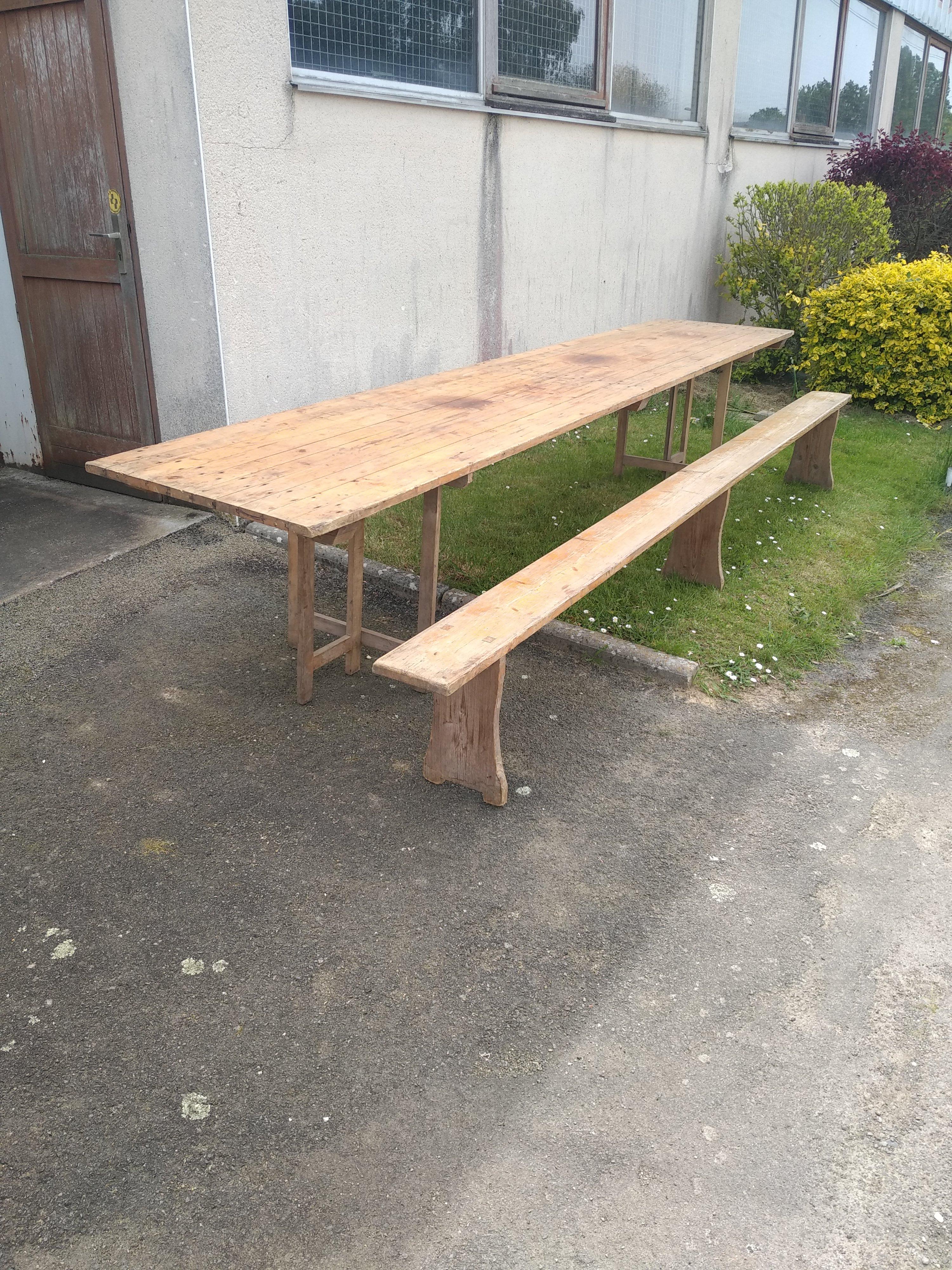 table Dompierre.jpg