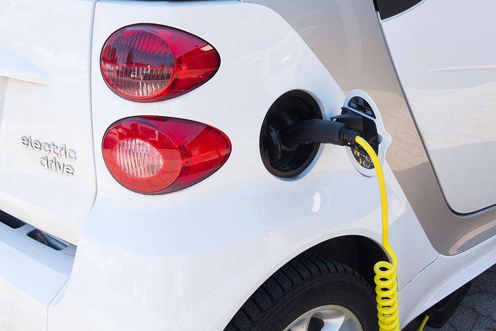 electric-car-734573__480.jpg