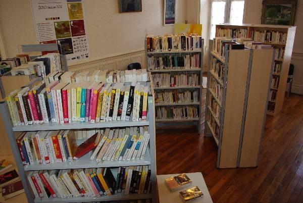 Bibliothèque communautaire 4