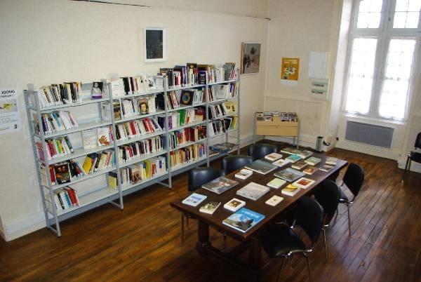 Bibliothèque communautaire 3