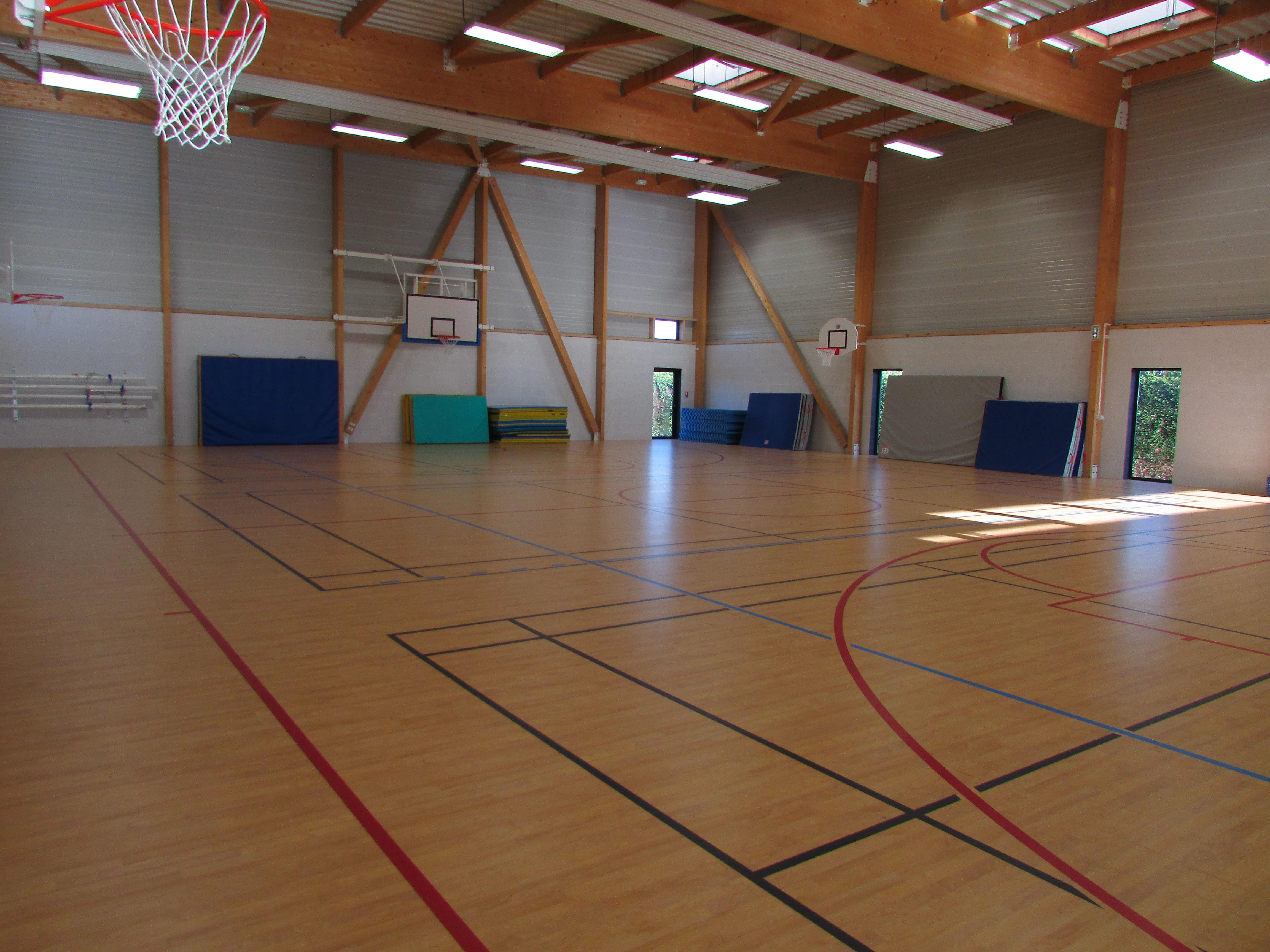 Salle de sport intérieur.png
