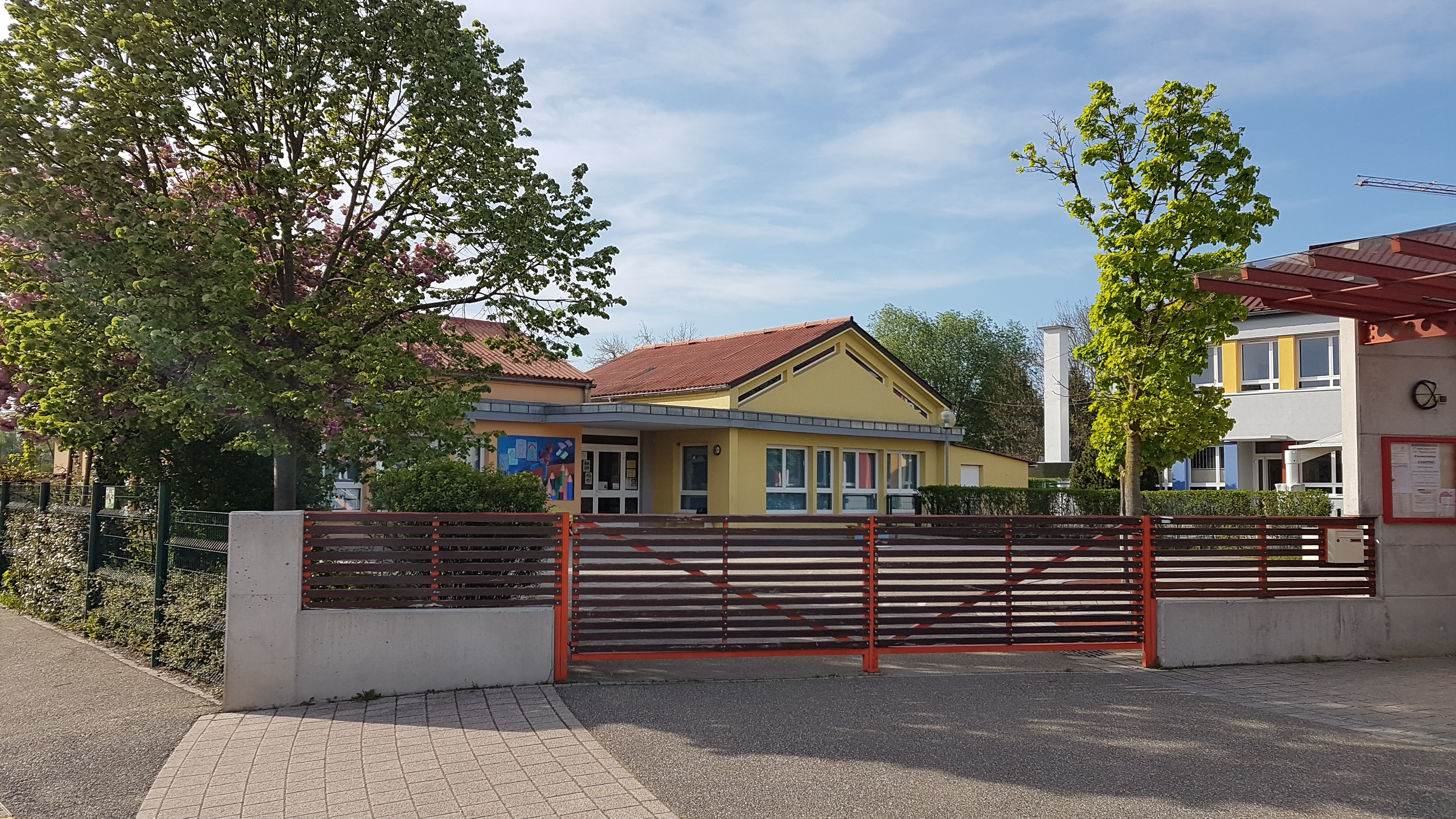 Groupe scolaire maternelle _2_.jpg