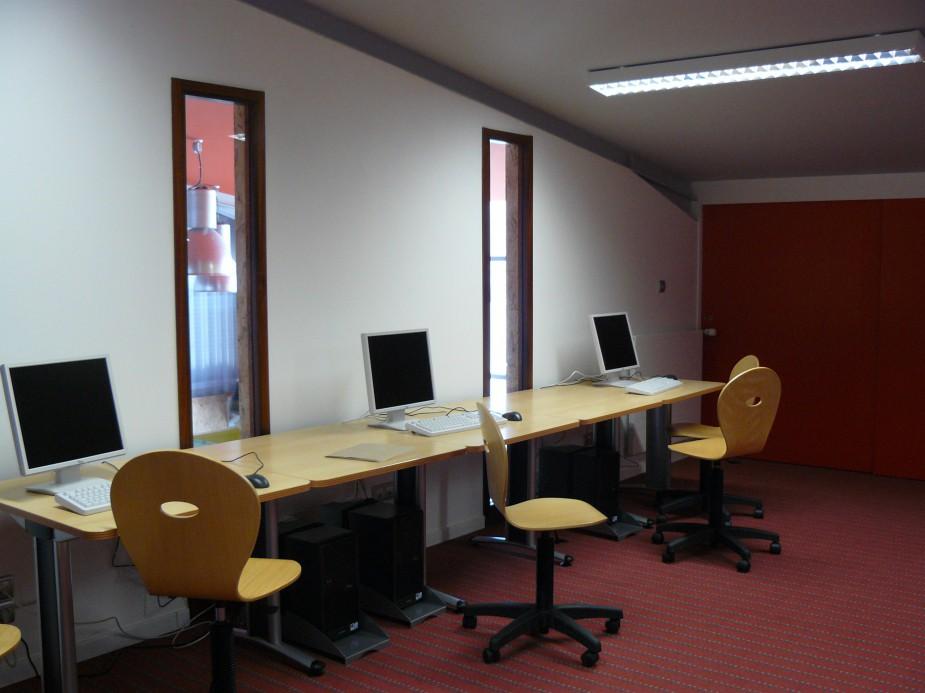 salle-multimeedia1.jpg