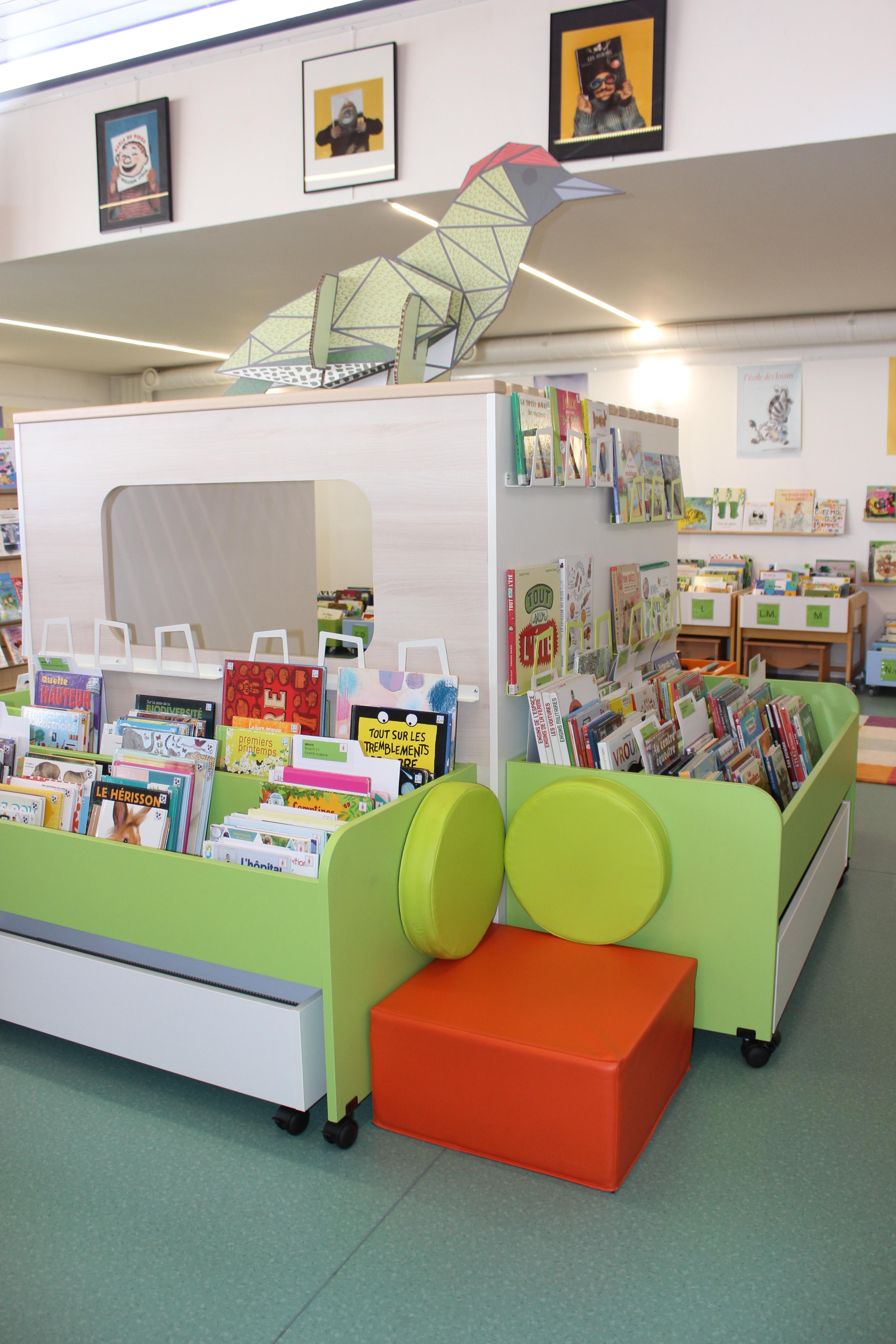 cabane coin enfants bibliothèque.JPG