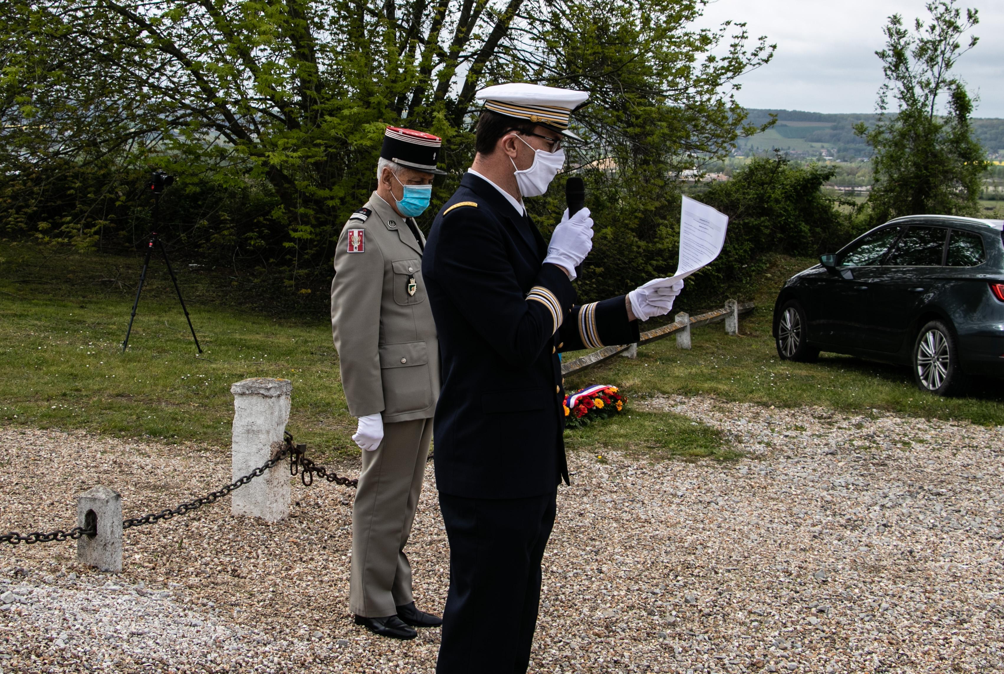 Tournage tricotage entrerprise Maternne à Moreuil photo façade batiment 5 _2 sur 15_.jpg