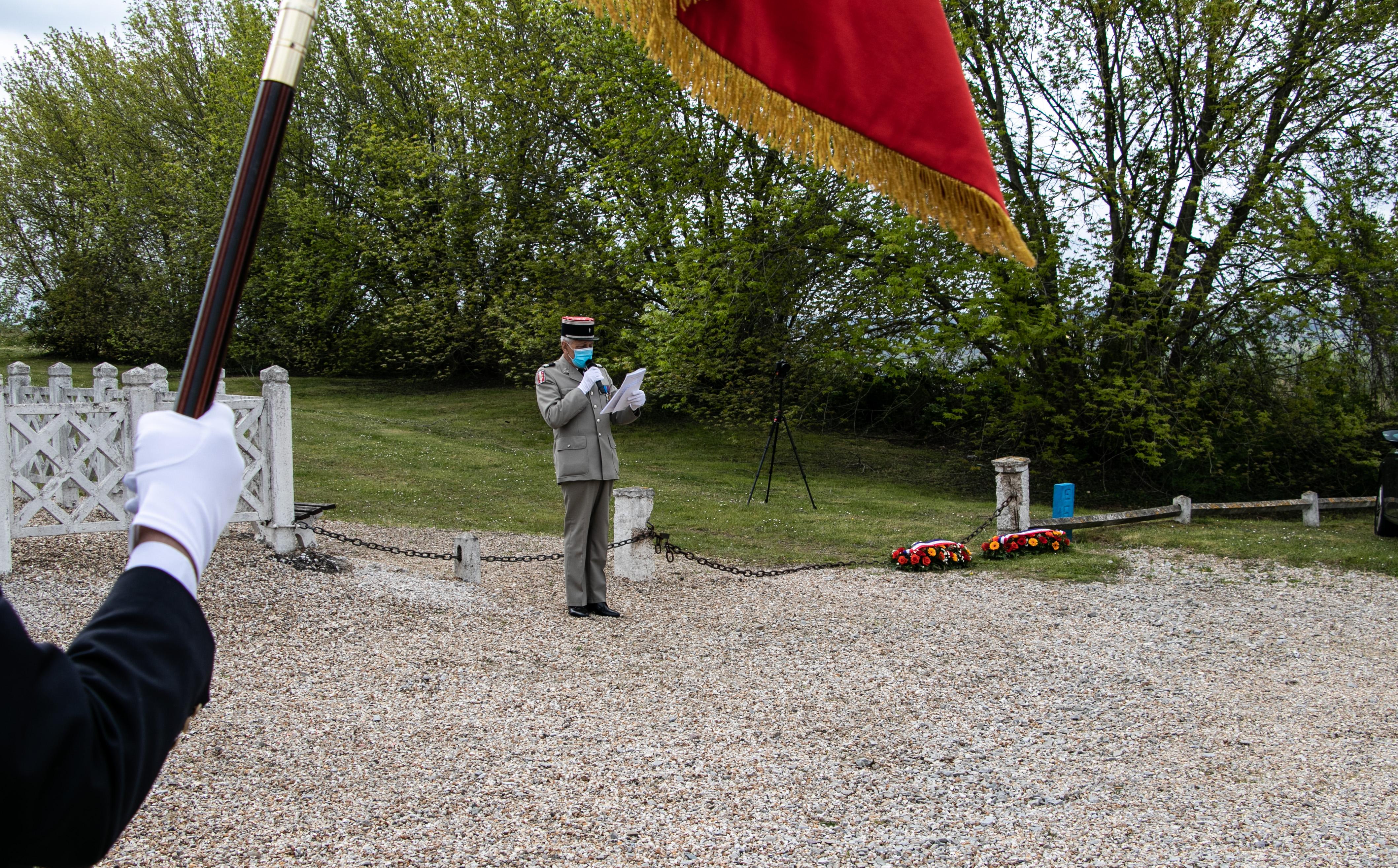 Tournage tricotage entrerprise Maternne à Moreuil photo façade batiment 5 _4 sur 15_.jpg