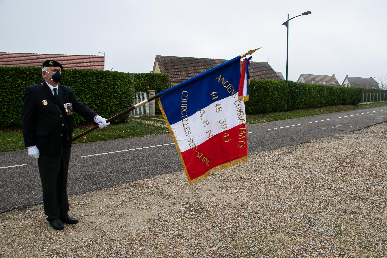 22 porte drapeau pascal quignon _1 sur 1_.jpg