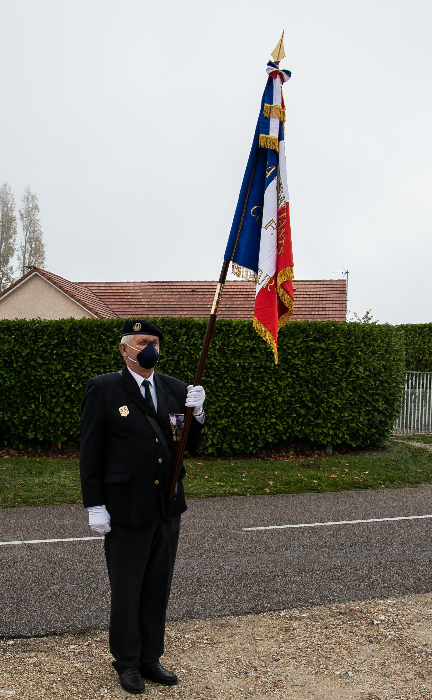 24 porte drapeau pascal quignon 2 _1 sur 1_.jpg