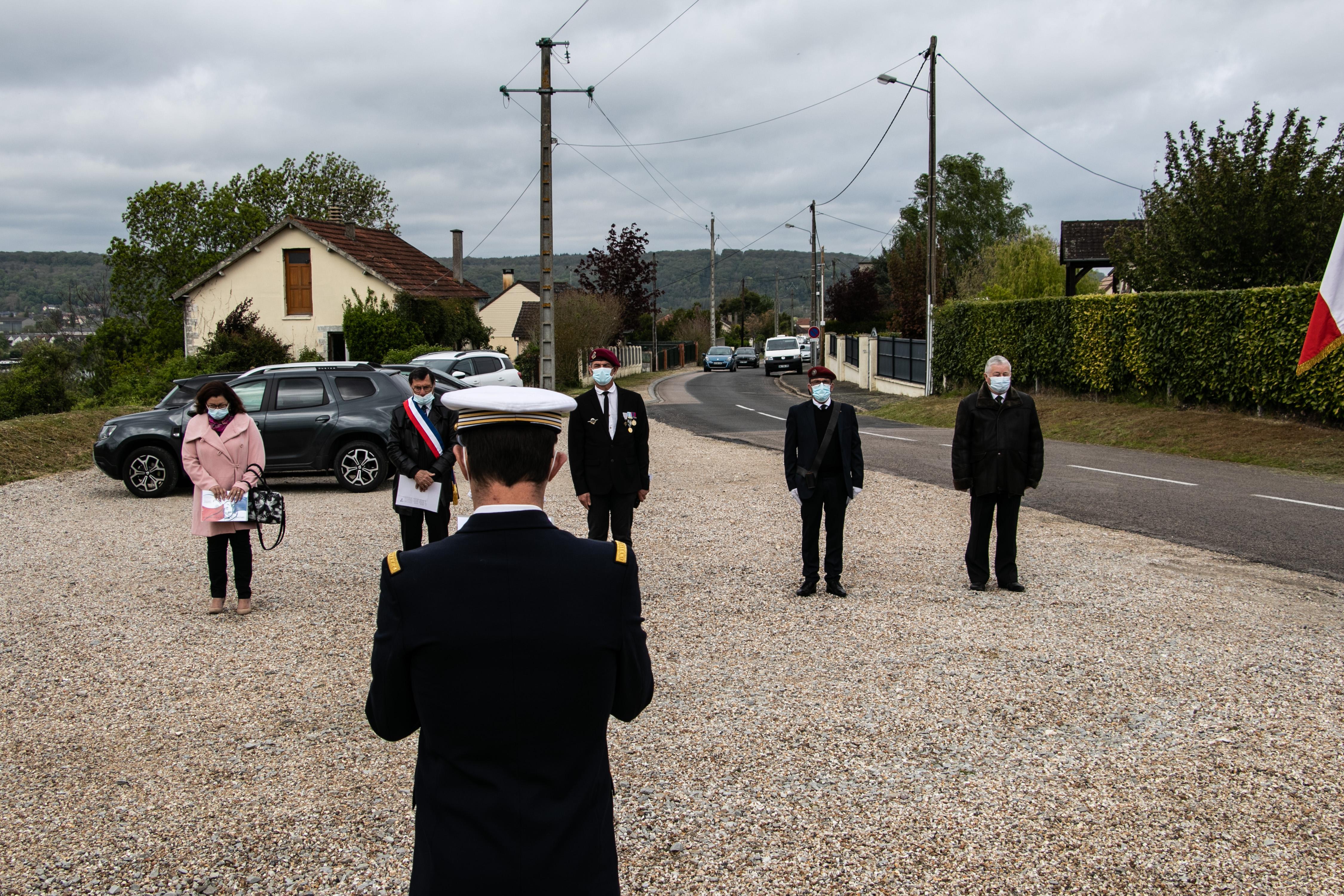 Tournage tricotage entrerprise Maternne à Moreuil photo façade batiment 5 _1 sur 15_.jpg