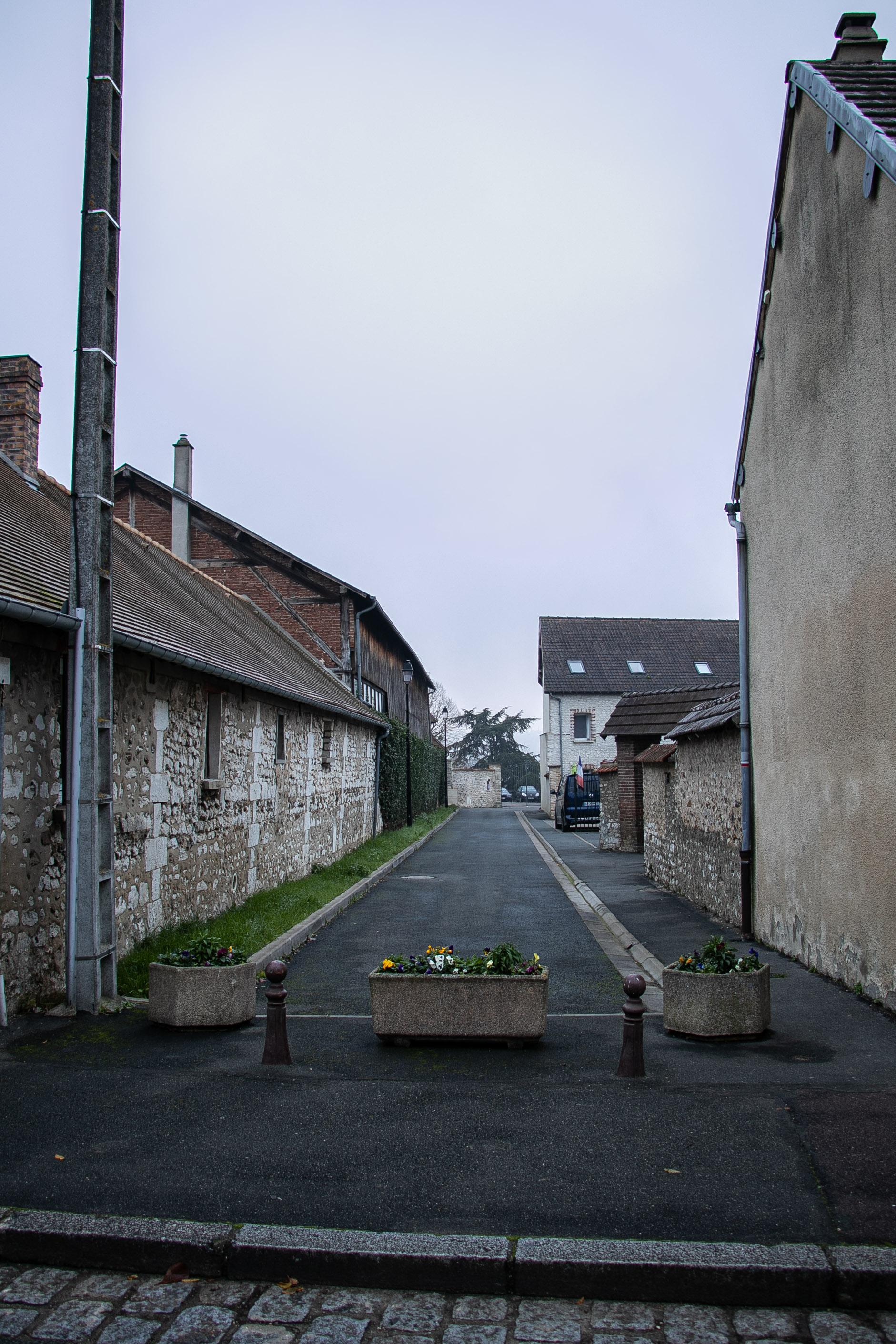rue perpendiculaire à l_église.jpg
