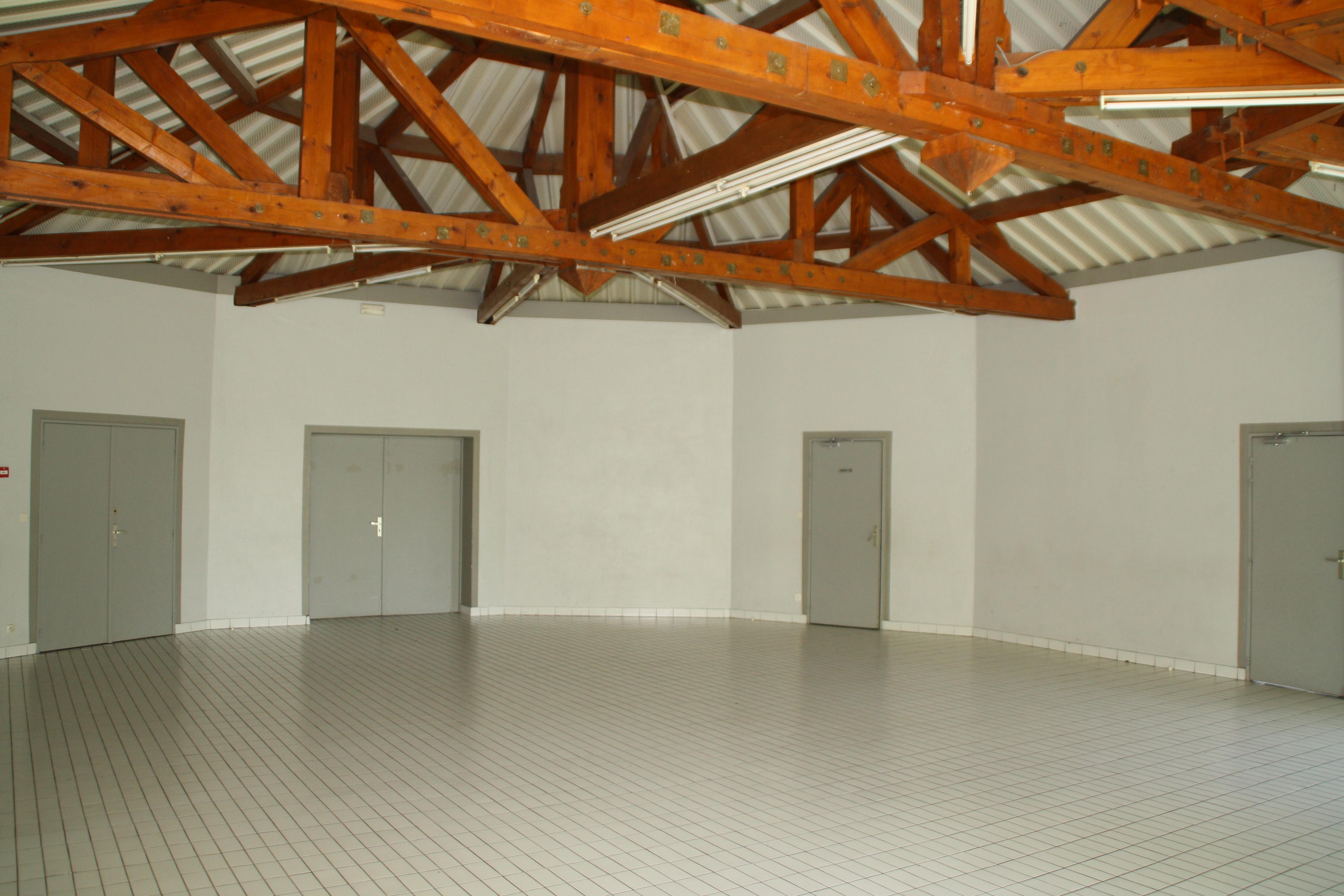 Salle polyvalente 2.JPG