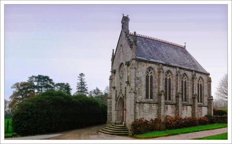 chateau ville chevalier chapelle.jpg