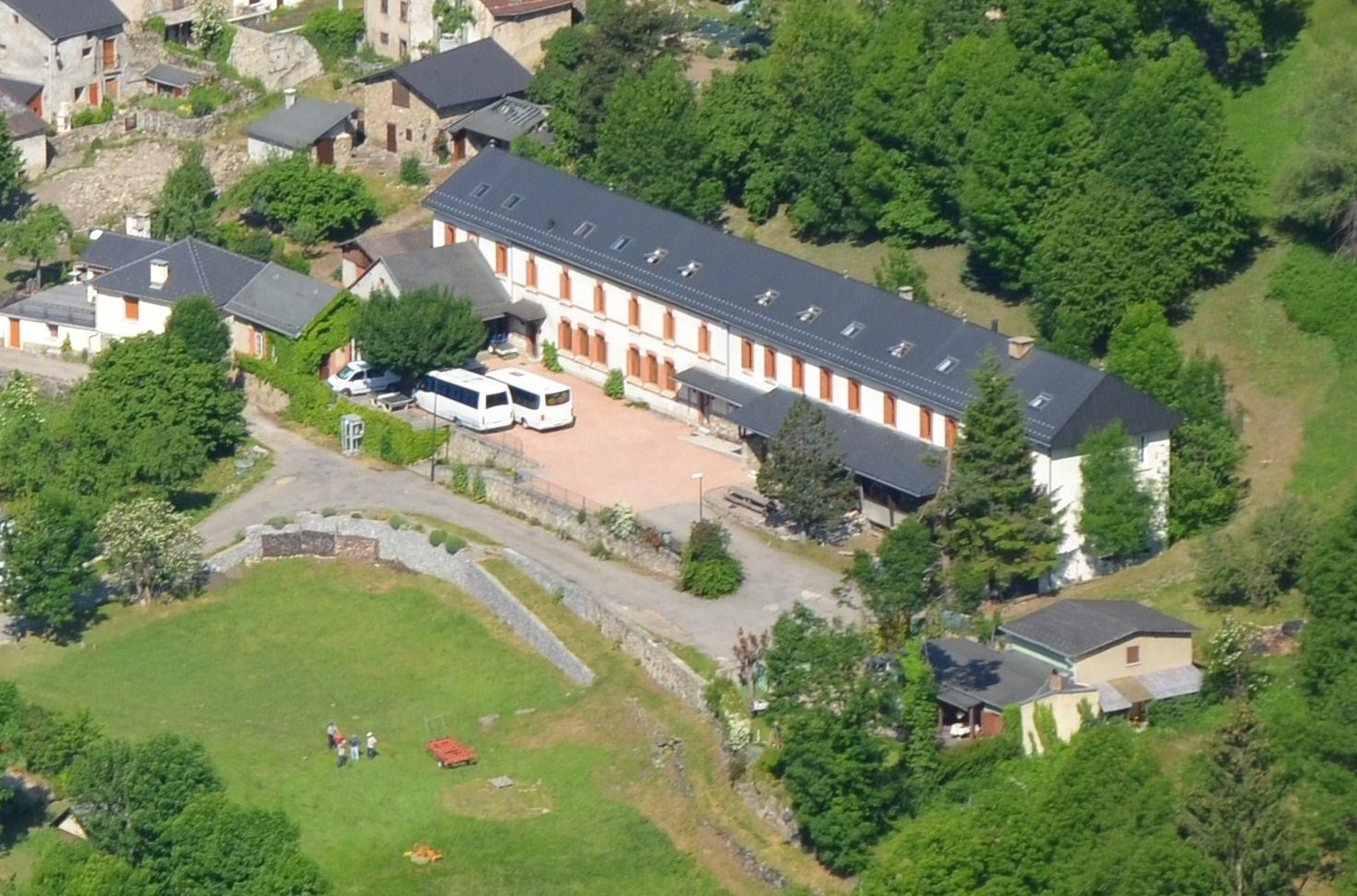 Centre permanent vu d_Helicoptere.JPG