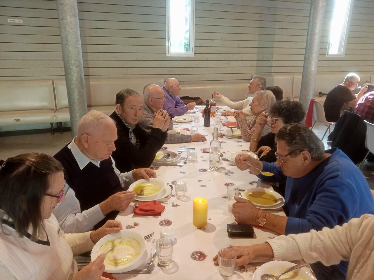 19-12-19 repas des ainés5.jpg