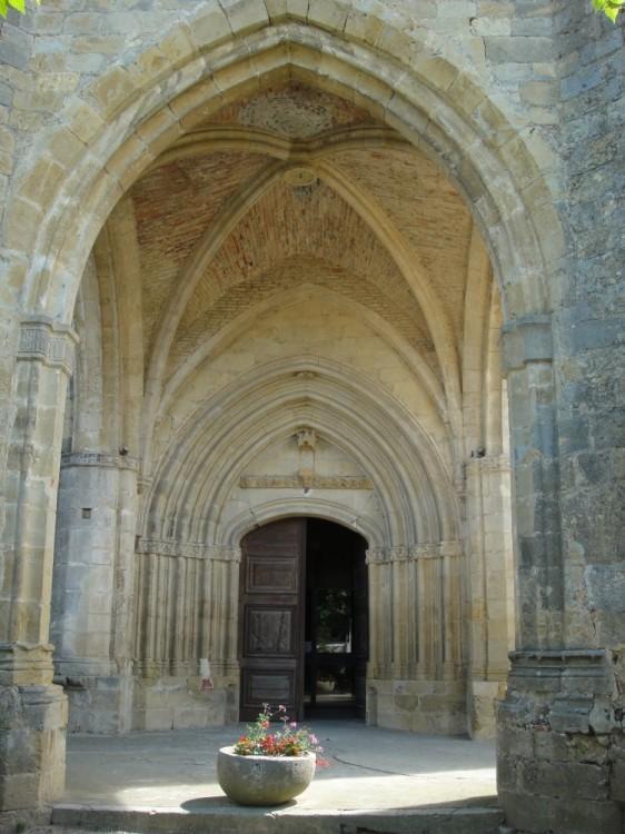 l_ Église3 le porche.jpg