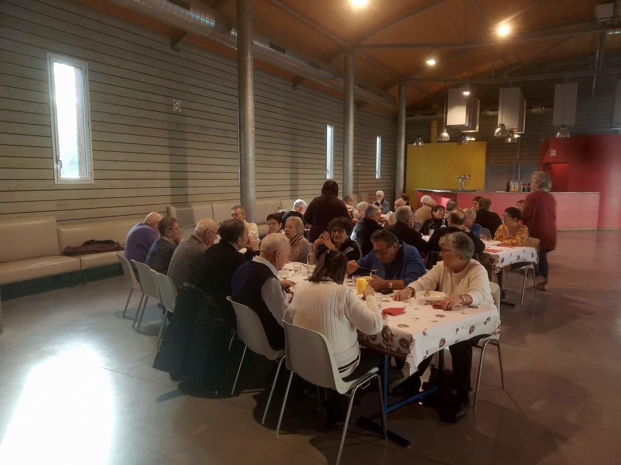 19-12-19 repas des ainés7.jpg