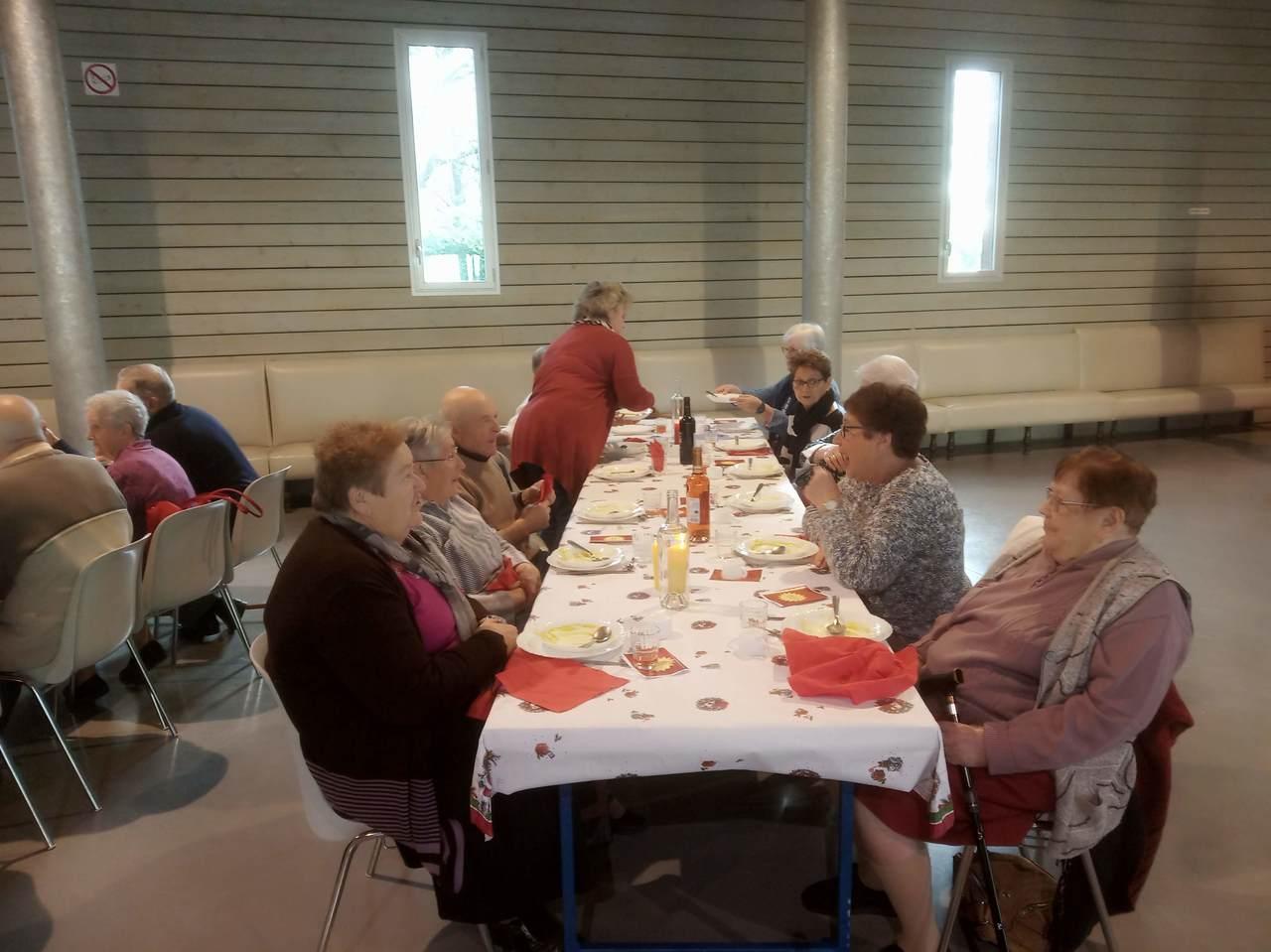 19-12-19 repas des ainés4.jpg