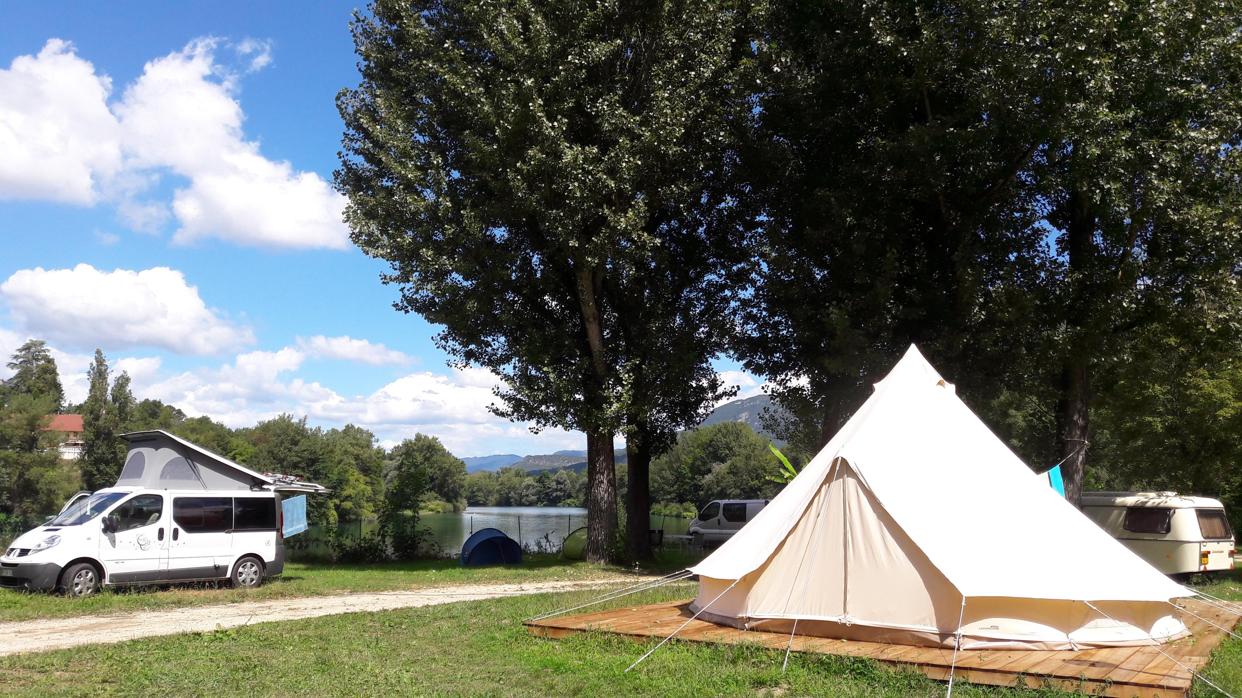 Kanoti Camping Haut Rhone Sauvage Pays du Lac Aiguebelette Savoie.jpg