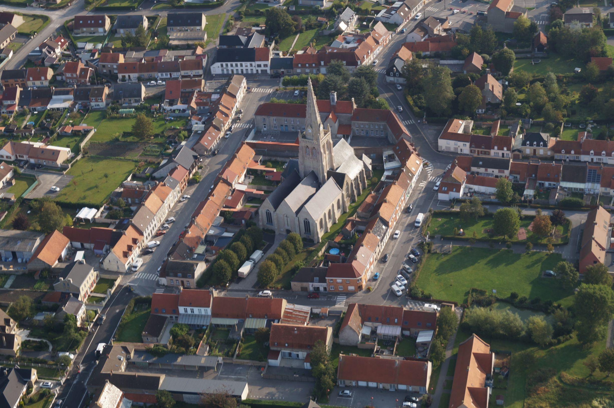 Eglise_devant_haut.JPG