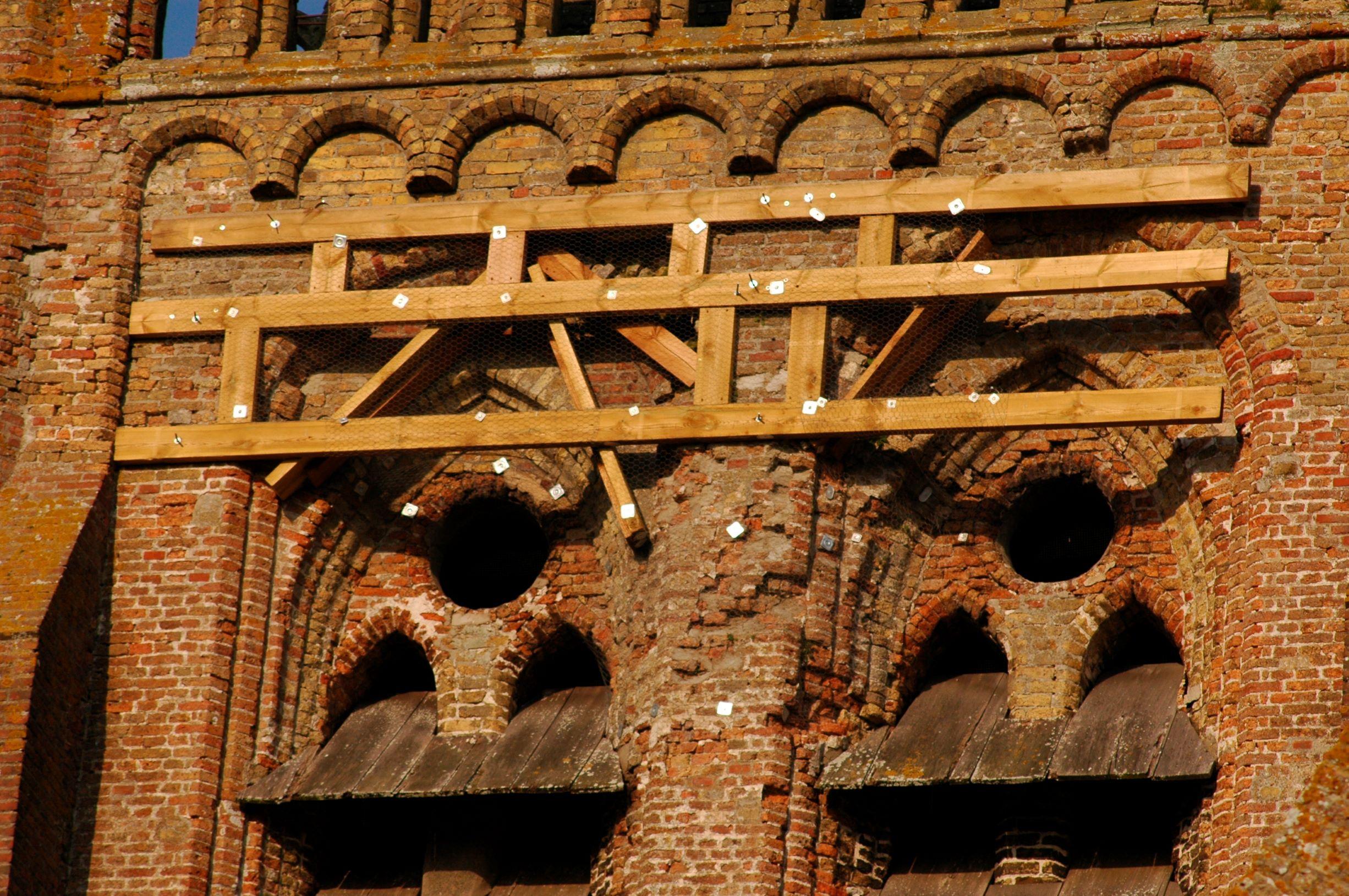 2_Eglise_Degats_facade_2009_2010.jpg