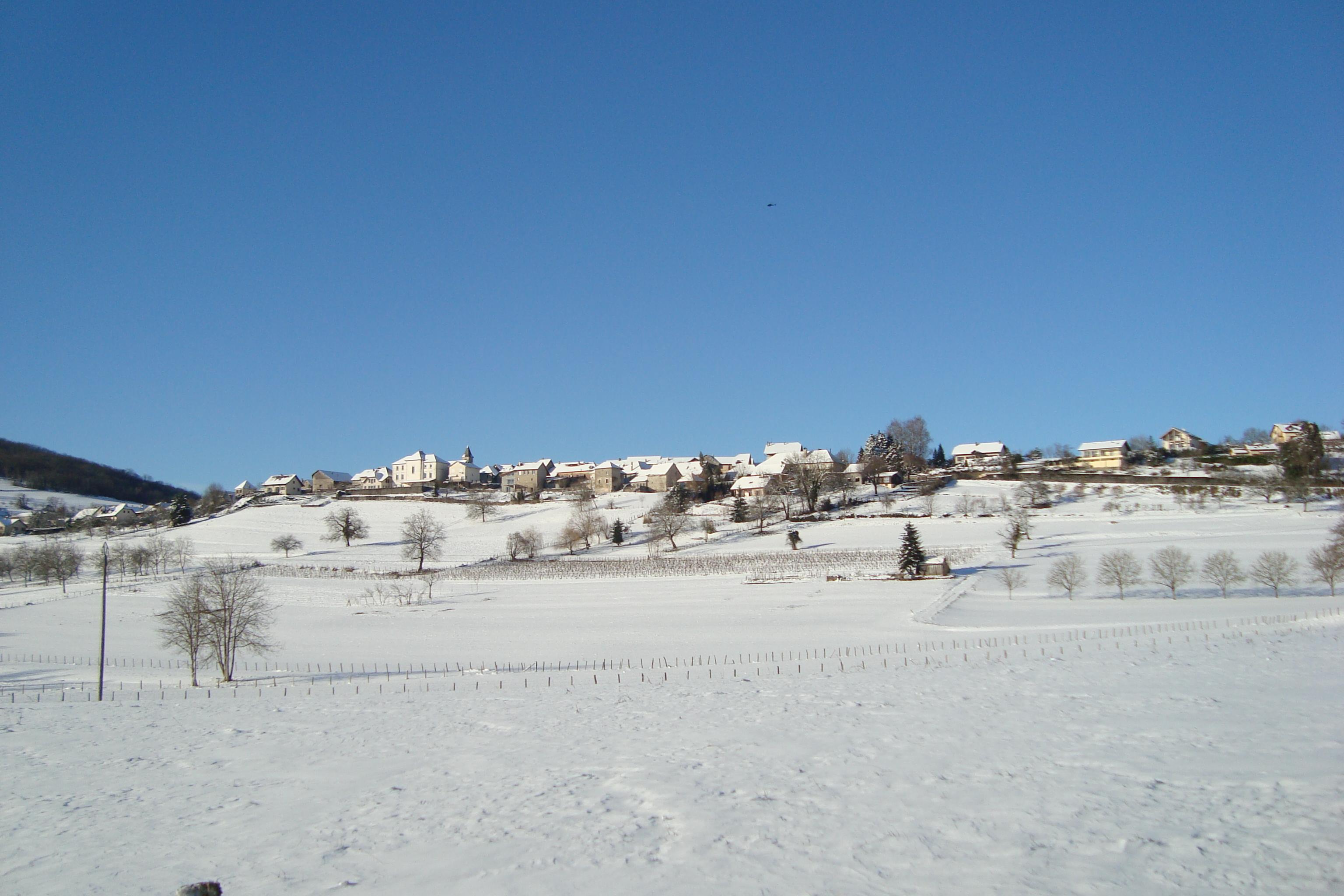 village neige.JPG