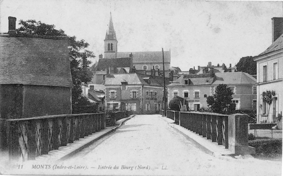 Monts ancien - bourg.jpg