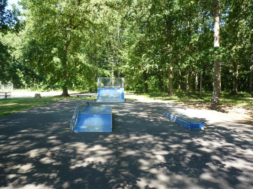 Complexe des Griffonnes _Skate park_.jpg