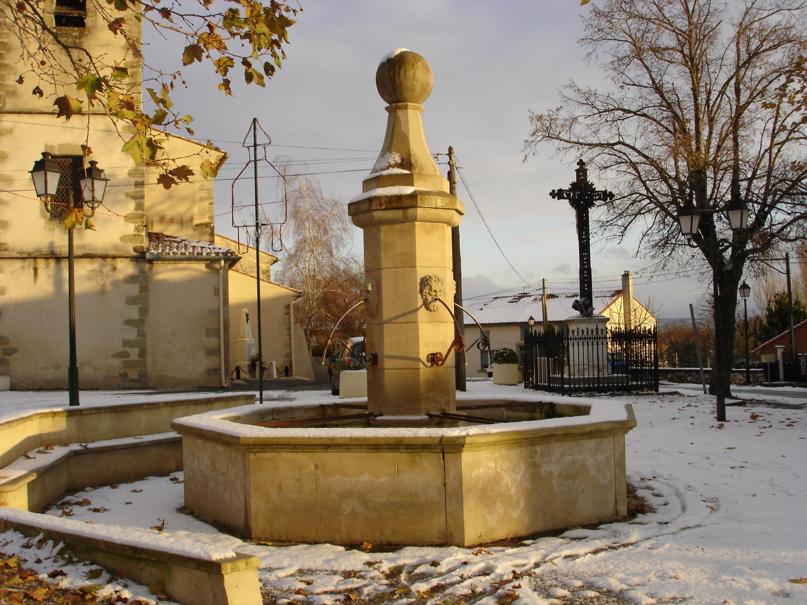 Église _ Place du village 2 _DSC03592_.JPG