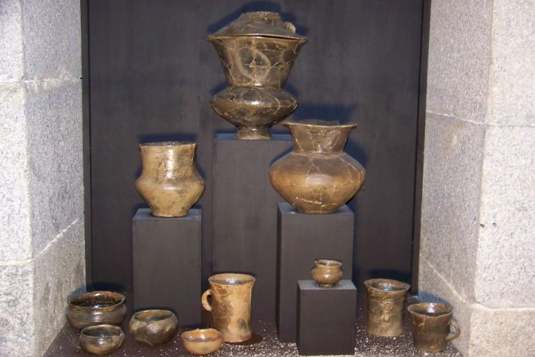 La Gayé - Urnes funéraires 1.jpg