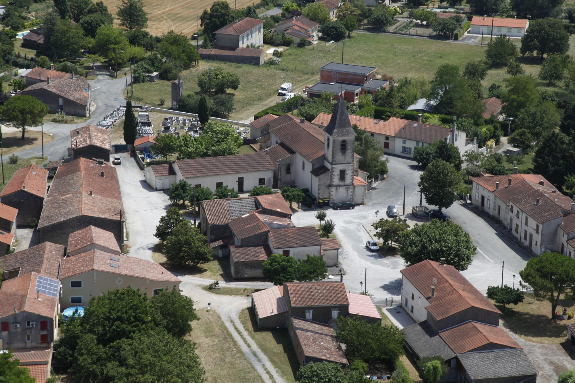 Fréjeville - Village 6.jpg