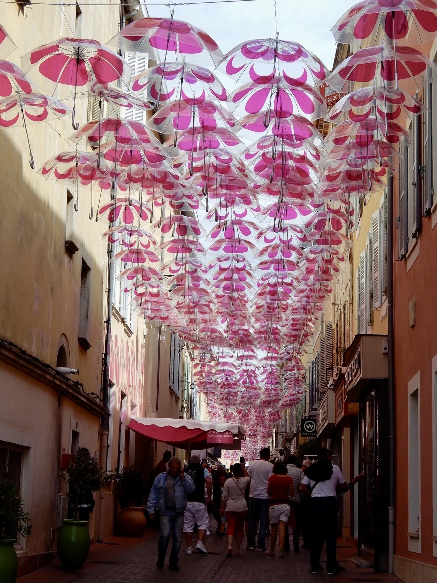 Parapluies_Sanary-sur-Mer_jean-Claude BEAUTRIX