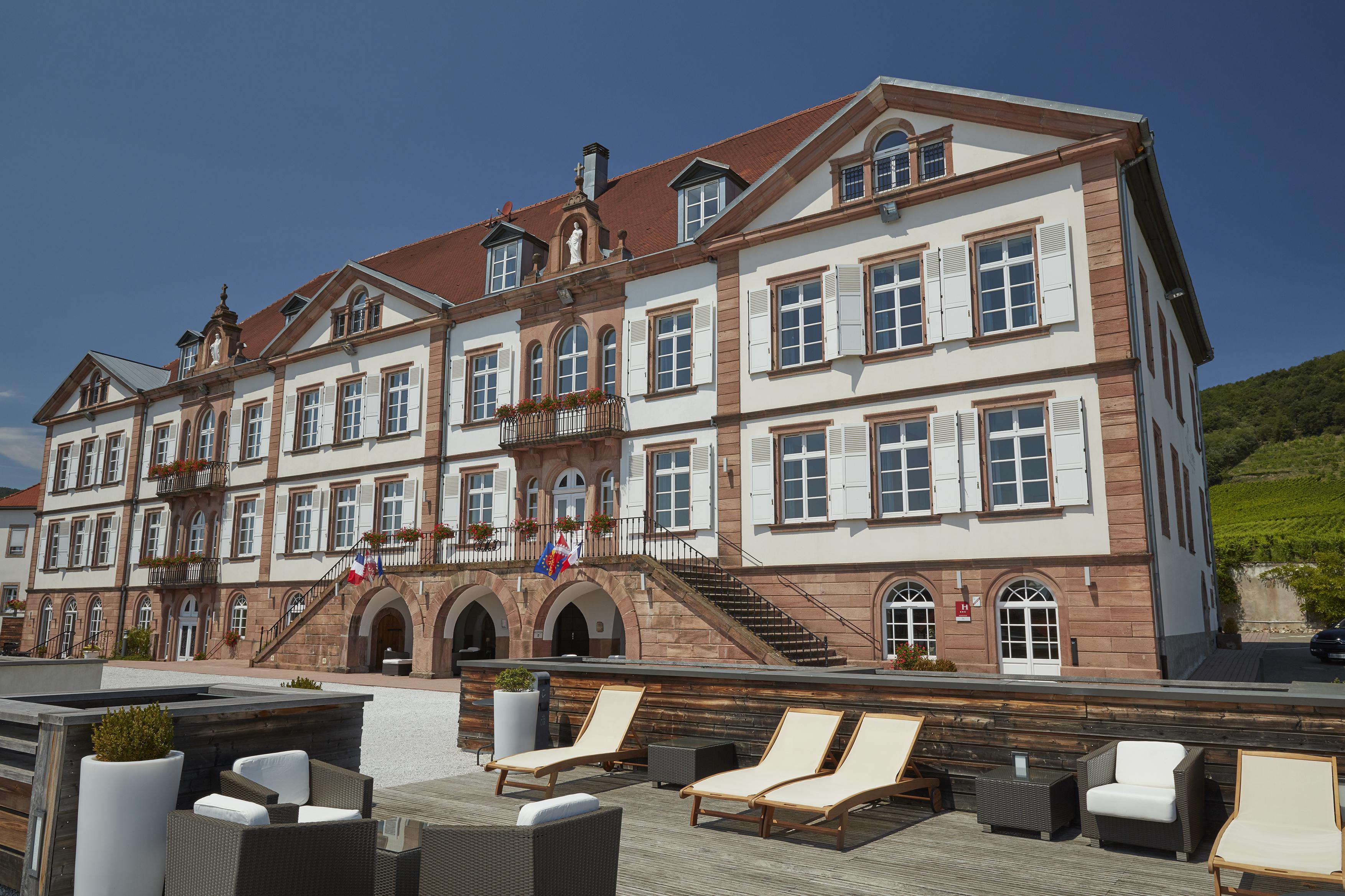 Hôtel Val Vignes Façade _002_.jpg