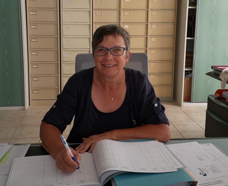 Roselyne Demion Jacinto à la mairie de Prailles.jpg