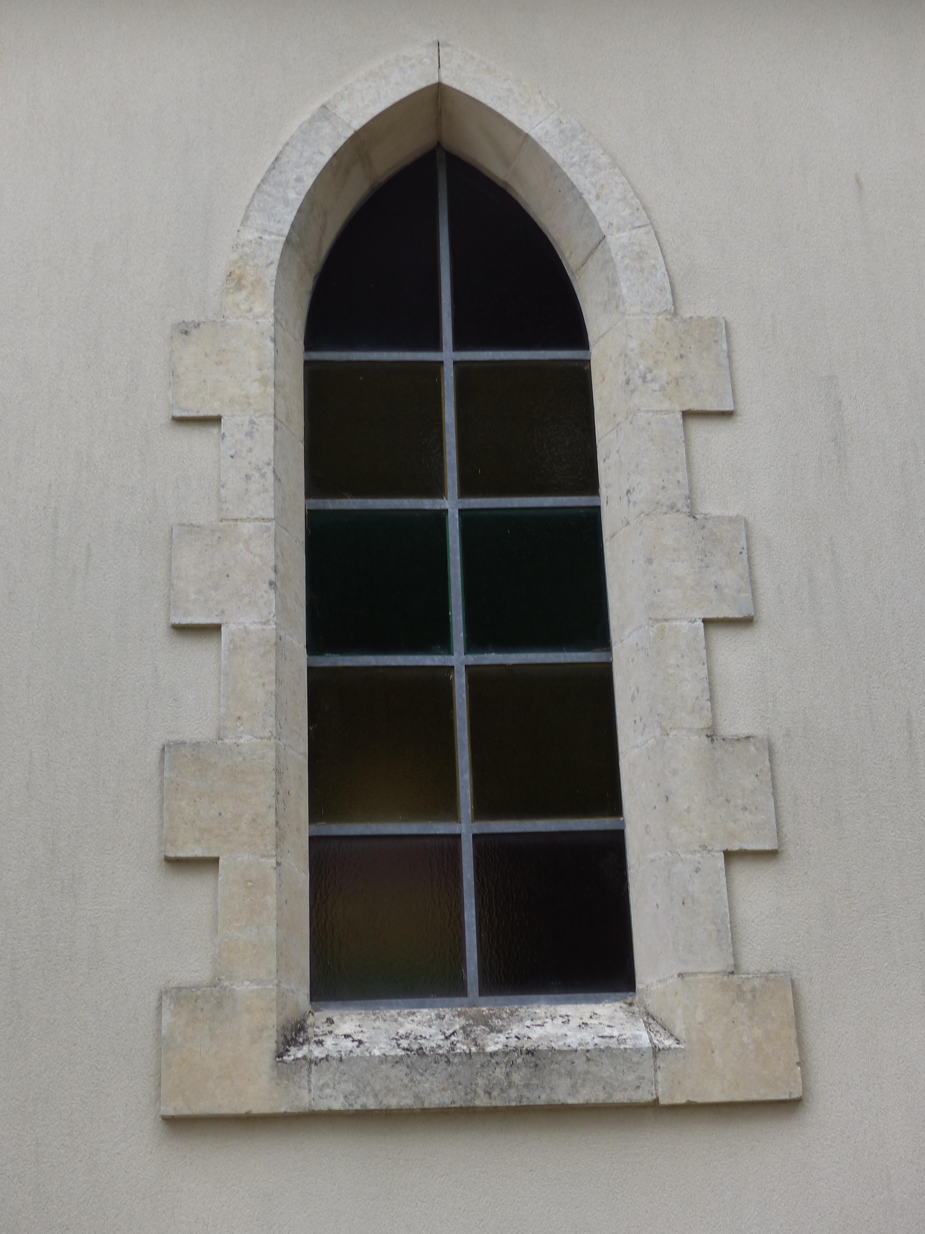 Fenêtre en arc brisé