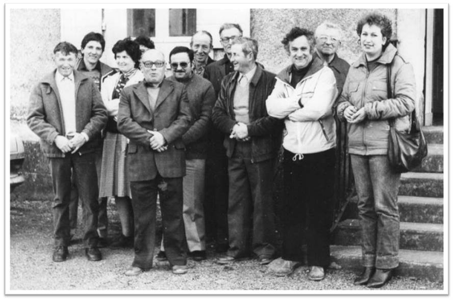 Jean-Louis Proust et le conseil municipal.jpg