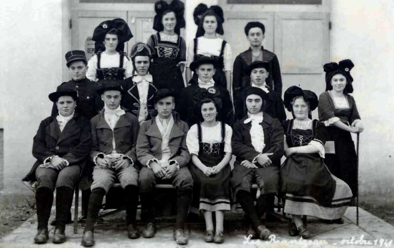 Theatre Les Beantreau Octobre 1941.jpg