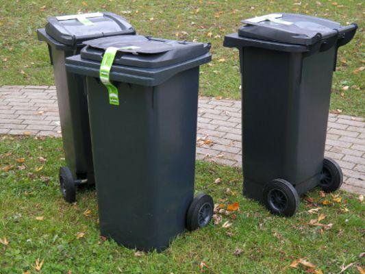 garbage-can-231869_1920.jpg